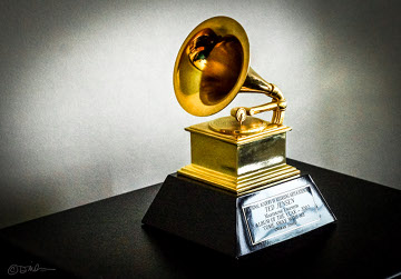 Grammy_Award_2002.jpg